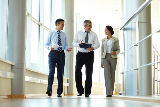 business-people-depositphotos_10731508_original-562x375
